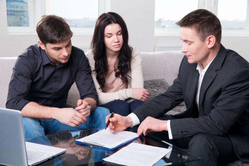 Профессиональные юристы готовы помочь разобраться в вопросах права